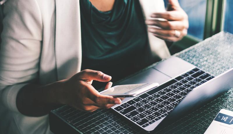 Gestiona tu desarrollo laboral con LinkedIn: Oportunidades laborales y empleo